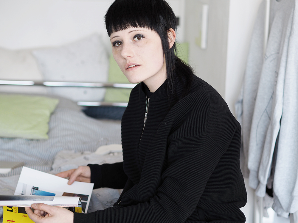 Jessica Dettinger form of interest münchen