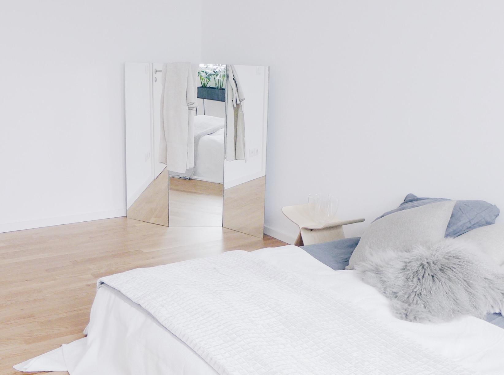 diy mirror paravent amazed. Black Bedroom Furniture Sets. Home Design Ideas