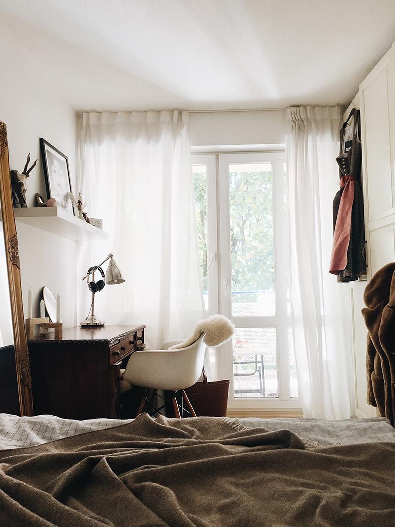 video roomtour wie ich meine neue wohnung gefunden habe. Black Bedroom Furniture Sets. Home Design Ideas
