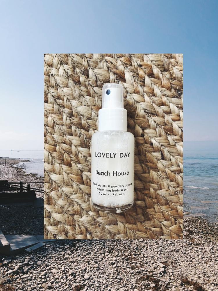 Endless Summer: Beach House von Lovely Day Botanicals - amazed