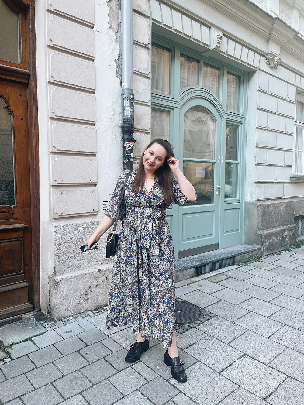 Outfit Blumenkleid